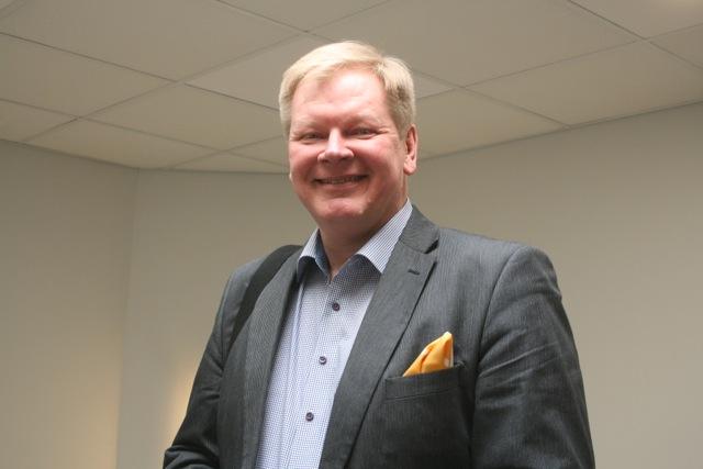 """""""Nokialla tehtiin ensimmäinen tabletti kosketusnäytöllä jo 1990-luvulla, mutta sen kehittely keskeytettiin"""", Timo Jaatinen harmittelee."""