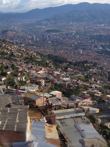 Köysirata lyhensi matkoja Medellínin keskustaan jopa yli kahdella tunnilla.