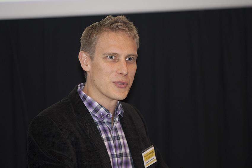 Meteorologia häiritsee mediassa sensaatiohakuisuus, jonka vuoksi jokaisesta ukkosesta tulee jättiukkosmyrsky, sanoi Ilmatieteen laitoksen meteorologi Juhana Hyrkkänen.