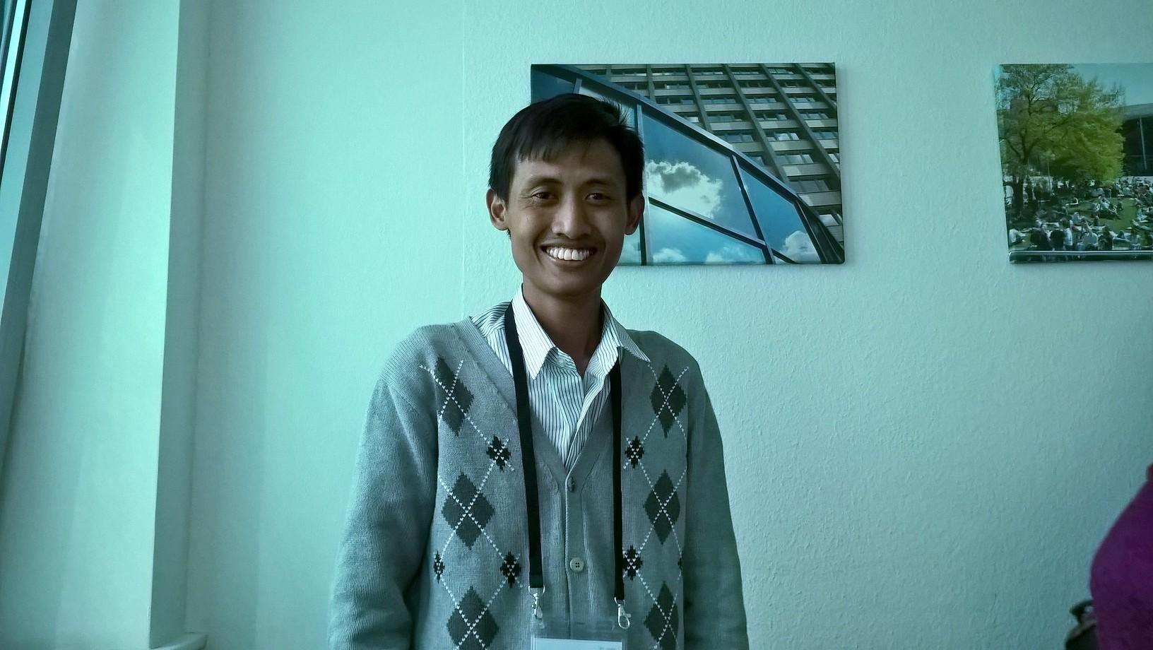 Indonesialaisen Maman Fathurrohmanin hymy ei hyytynyt.