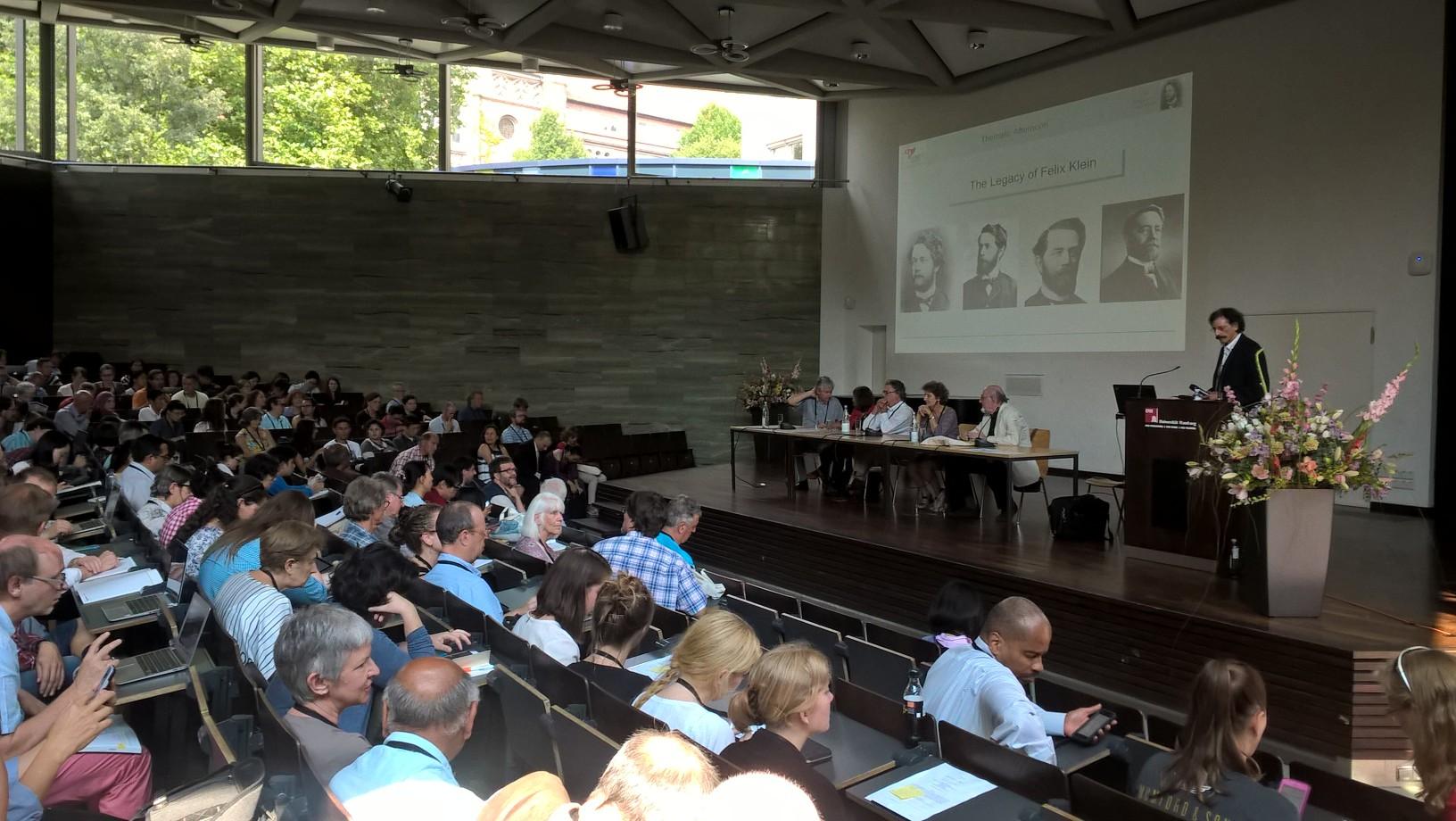 Hans-Georg Weigard Würzburgin yliopistosta kertoo Felix Kleinin perinnöstä matematiikan opetukselle.