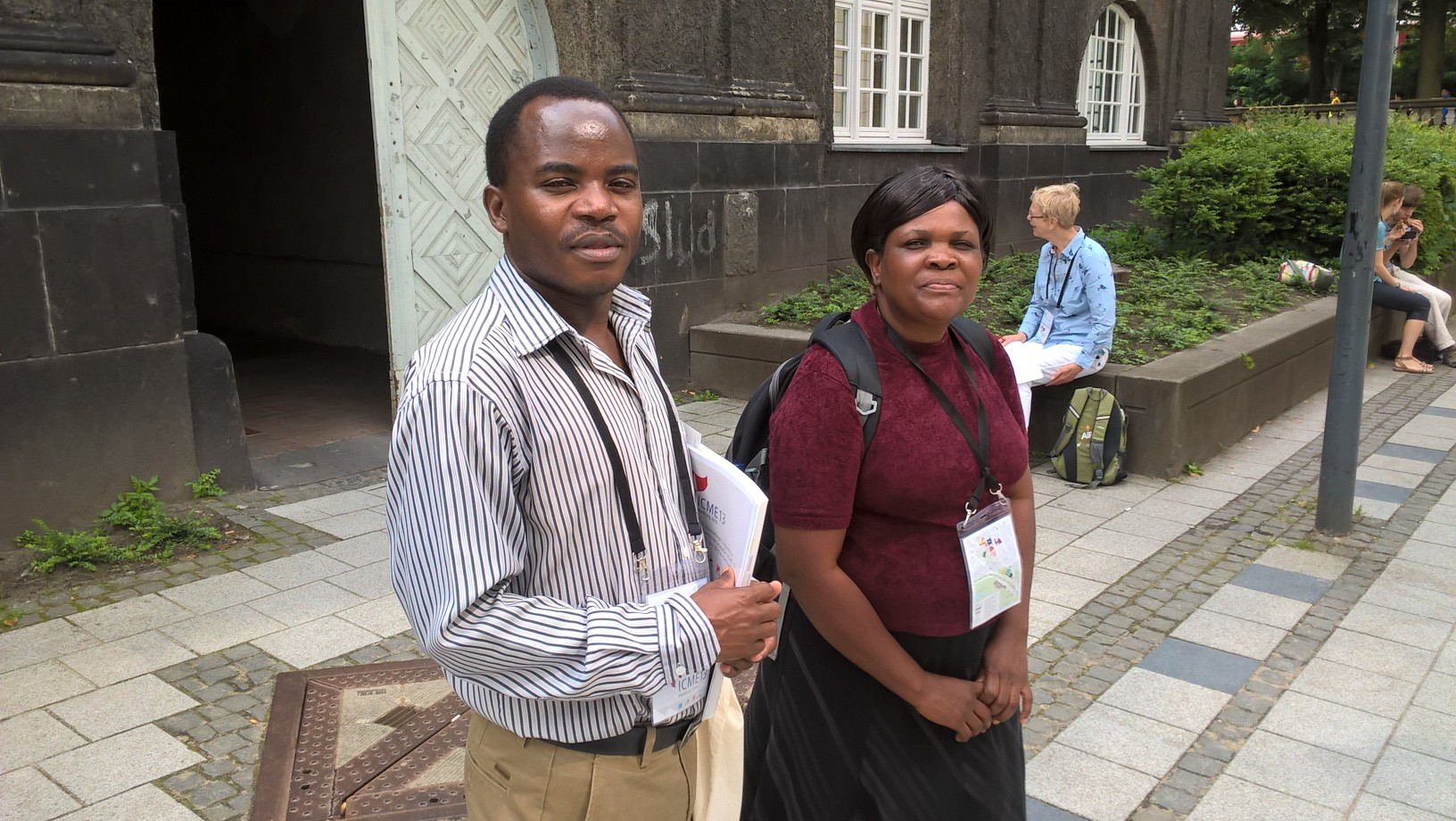 Malawilaiset Dun Nkhoma Kasoka ja Florence Mamba kertoivat nauttivansa konferenssin monipuolisesta annista täysin siemauksin. Mamba piti esityksen opettajakoulutettavien omista kyvyistä ratkaista toisen asteen yhtälöitä.
