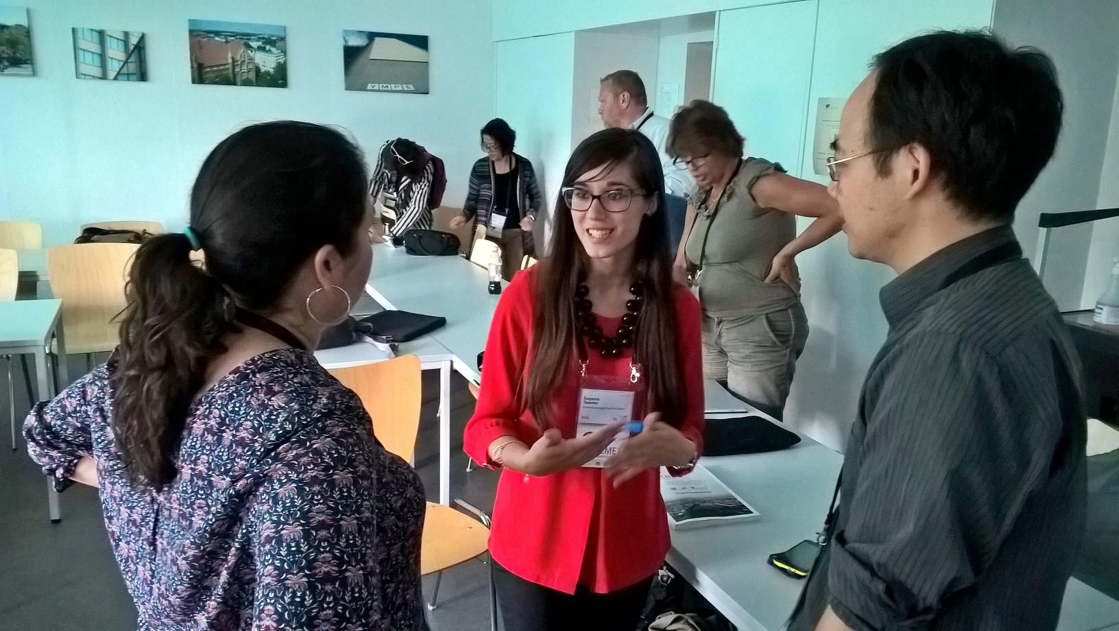 Eugenia Taranto vastaili kuulijoiden kysymyksiin matemaattisen MOOCin salaisuuksista.