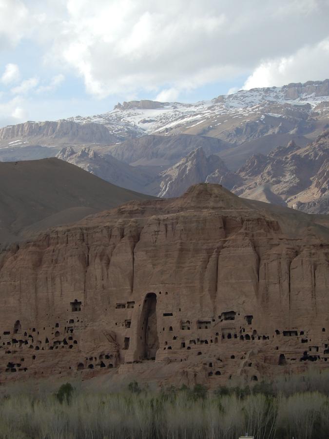 Bamiyanin buddhapatsaat ovat vaikuttava näky tuhottuinakin. Kansainvälinen yhteisö suunnittelee patsaiden rekonstruktointia. Iso osa patsaiden palasista on tallessa.