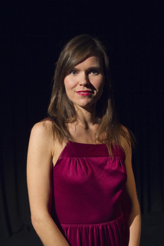 Hanna Poikonen on tanssija ja neurotieteilijä, jonka väitöskirja on tulossa tarkastettavaksi alkuvuonna 2018 Helsingin yliopistossa.