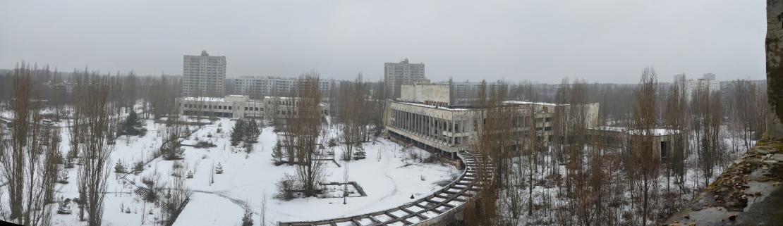 50 000 asukkaan jättämän Prypjatin keskusaukio.